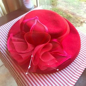 Red Summer Women's hat With Ribbon And Bow